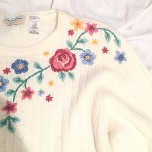 Vintage Floral Detailed Sweater